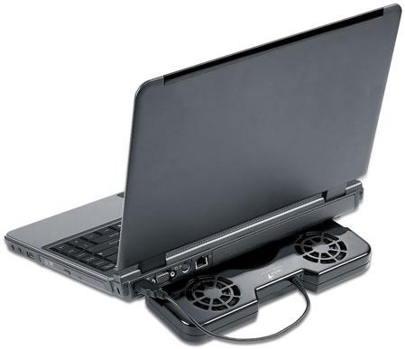 Portátil usando la Base Refrigerante - Genius NB Stand 100