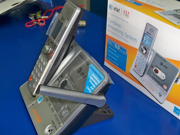 Base con Antena - AT&T SL82118 Kit Diadema Inalámbrica con Teléfono